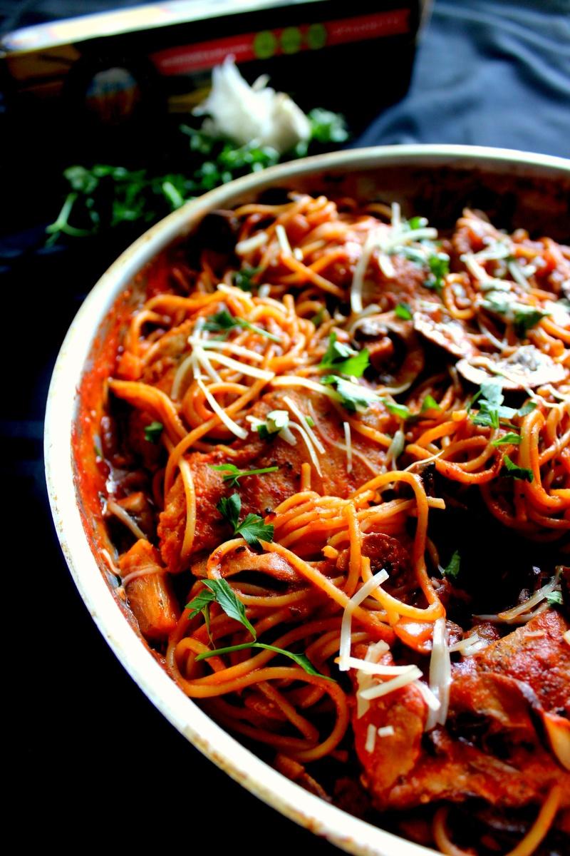 Chicken Amp Mushroom Spaghetti In Spicy Red Wine Tomato Sauce Recipes